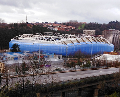 Líneas de vida all in one de Innotech en la cubierta metálica del Campo Reale Arena de la Real Sociedad de San Sebastián