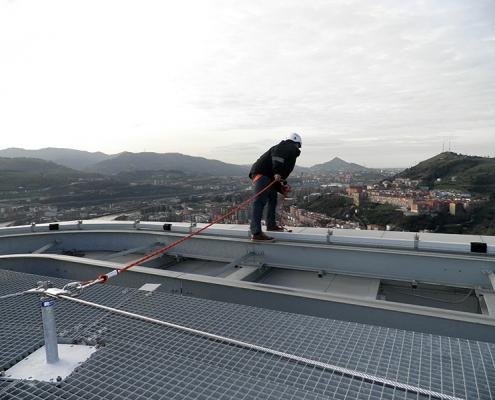 Sistema de línea de vida horizontal all in one de Innotech en la Torre Iberdrola de Bilbao